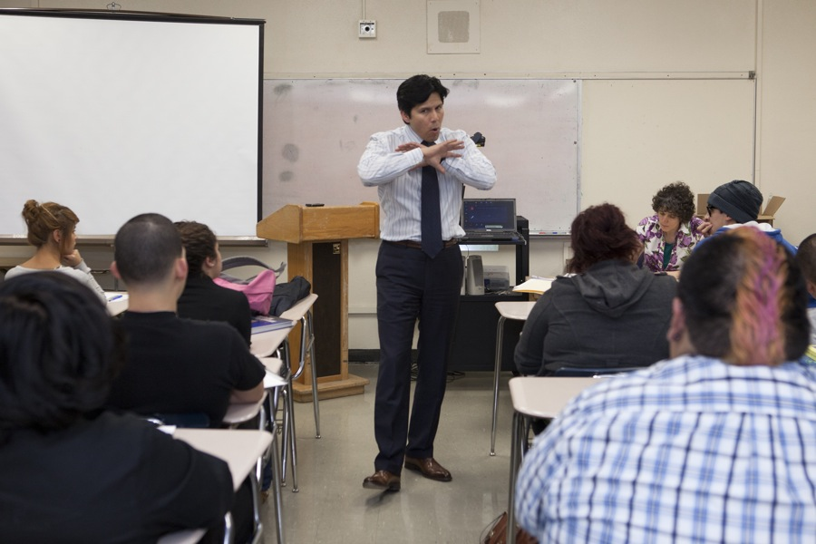 Franklin High School Speech Class & Kevin De Leon
